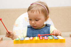 behandla som ett barn lyckligt Fotografering för Bildbyråer