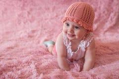 behandla som ett barn lyckligt nyfött Arkivbilder
