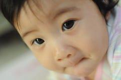 behandla som ett barn mitt Fotografering för Bildbyråer