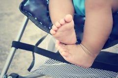 Behandla som ett barn på sittvagnen royaltyfri fotografi