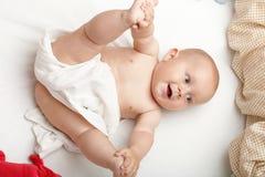 Behandla som ett barn pojken i blöja Royaltyfri Fotografi