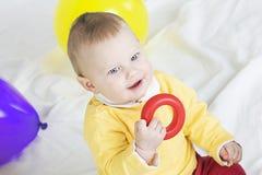 behandla som ett barn pojketoyen Royaltyfri Foto