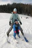 behandla som ett barn skidåkningen Royaltyfria Foton