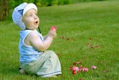behandla som ett barn spädbarn royaltyfri bild