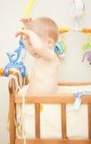 behandla som ett barn sunen för illusytrationen för pojkebuggyoklarheter Royaltyfri Fotografi