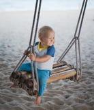 behandla som ett barn swing Royaltyfria Bilder