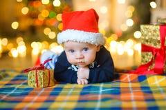 Behandla som ett barn till locket för Santa Claus ` s Royaltyfri Bild