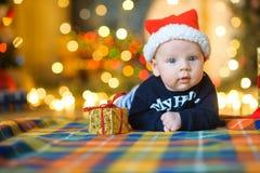 Behandla som ett barn till locket för Santa Claus ` s Royaltyfri Foto