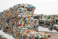 behandlande avfalls för växt Teknologisk behandling Återvinning och lagring av avfalls för ytterligare förfogande Affär för att s arkivfoto