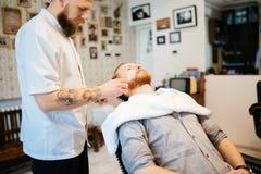 Behandling för hårmustaschskägg Royaltyfri Foto
