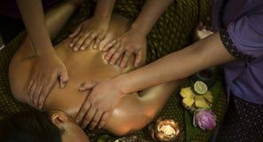 Behandling för skönhet för asiatisk massagebrunnsort naturlig organisk Arkivbilder