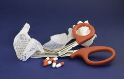 Behandlung und Tabletten Lizenzfreie Stockfotografie