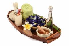 Behandlungshaarbadekurort mit Aloe Vera, Schmetterlingserbse, Kokosnussöl und Honig Stockbild
