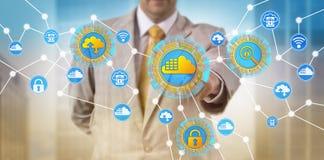 Beheerder Adding Cloud Container aan Netwerk stock fotografie