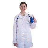 Behilflicher Wissenschaftler der Ärztin im weißen Mantel über lokalisiertem Hintergrund lizenzfreie stockbilder