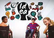 Behinderte Kinder im Rollstuhl mit bunten Ideengraphiken Lizenzfreie Stockbilder