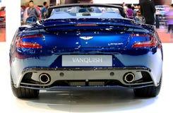 Behine czapeczka błękitne Aston Martin serie Vanquish obrazy royalty free
