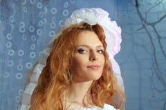 Bei capelli di colore rosso del fronte della donna di modo immagini stock