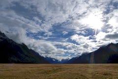 Bei cielo e paesaggio all'isola del sud, Nuova Zelanda Fotografie Stock