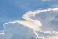 Bei cielo nuvoloso e fondo Fotografia Stock