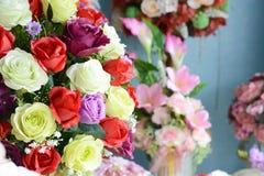 Bei colori dei fiori di plastica Fotografia Stock Libera da Diritti