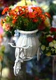 Bei colori dei fiori di plastica Fotografie Stock Libere da Diritti
