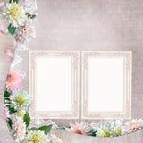 Bei confini con i fiori, il pizzo e le strutture sui precedenti d'annata Fotografia Stock