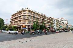 Bei costruzione in Phnom Penh che alloggia gli hotel multipli ed oth Fotografia Stock