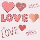 Bei cuori in bande e rosa per il giorno del ` s del biglietto di S. Valentino, testo in bande variopinte Immagini Stock