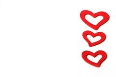 Bei cuori rossi di legno d'annata di amore per le nozze o i biglietti di S. Valentino Fotografie Stock Libere da Diritti