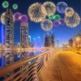 Bei fuochi d'artificio nel porticciolo del Dubai I UAE Immagine Stock Libera da Diritti