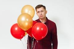 Bei giovani felici caucasici su fondo bianco isolato Festa, concetto del partito Immagini Stock