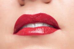 Bei labbra e denti rossi Immagine Stock