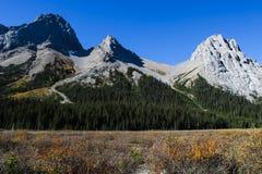 Bei paesaggi della montagna in autunno Fotografie Stock Libere da Diritti