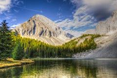 Bei paesaggi della montagna di caduta Fotografia Stock