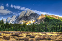 Bei paesaggi della montagna di caduta Fotografia Stock Libera da Diritti
