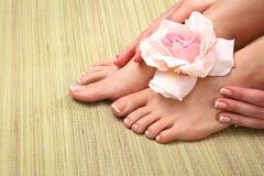 Bei piedi con il chiodo perfetto del francese della stazione termale Immagini Stock
