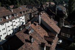 Bei tetti e camini immagini stock libere da diritti