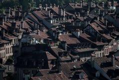 Bei tetti e camini fotografia stock libera da diritti
