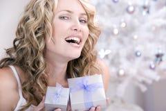 Beide Weihnachtsgeschenke für Sie! Stockfotos