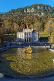 Beieren, Duitsland - Oktober 15, 2017: Linderhofpaleis 1863-188 Stock Foto