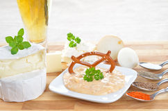Beierse obazda met ingrediënten Royalty-vrije Stock Foto