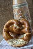 Beierse pretzel stock afbeeldingen