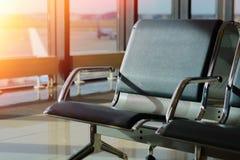 Beifahrersitz im Abfahrtaufenthaltsraum des Flughafens Stockbild