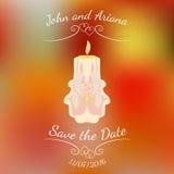 Beige bränningstearinljus för bröllop över abstrakt färgrik suddig vektorbakgrund Arkivbilder