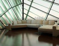 Beige Couch gegen extravagantes Designfenster Stockfoto