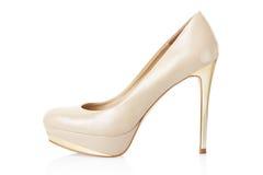 Beige elegant sko för hög häl Fotografering för Bildbyråer