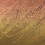 Beige gammalt rostigt lappkonstverk Utföra i relief kalligrafi med pulverfärg spridd på bakgrund arkivbild