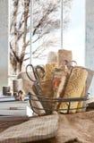 Beige het naaien project Stock Fotografie