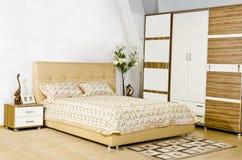 Een moderne slaapkamer Stock Foto
